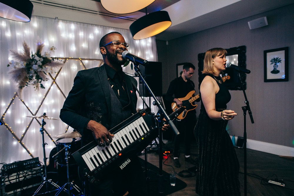 Wedding band with singer, keytar and bass guitar